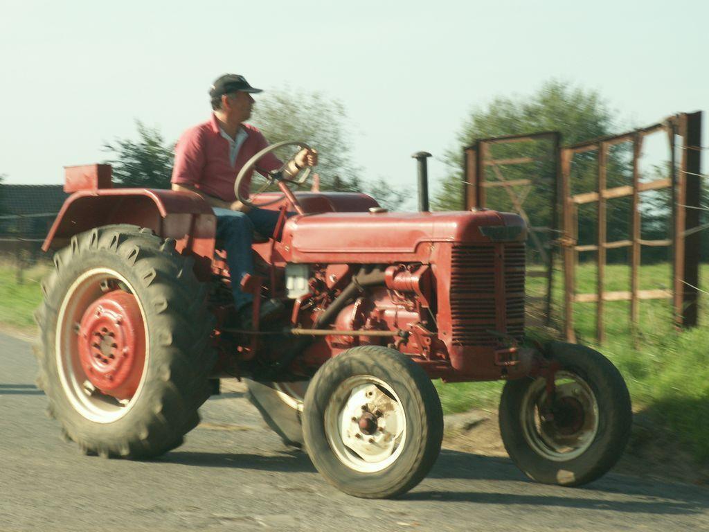 Ferm page 1510 - Tracteur rigolo ...